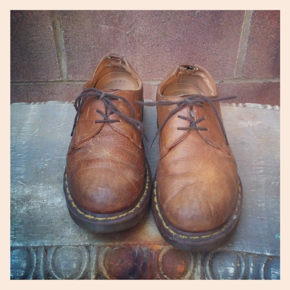 Vintage 90s Brown Leather Low Top Lace Up Doc Martens Size 9/10