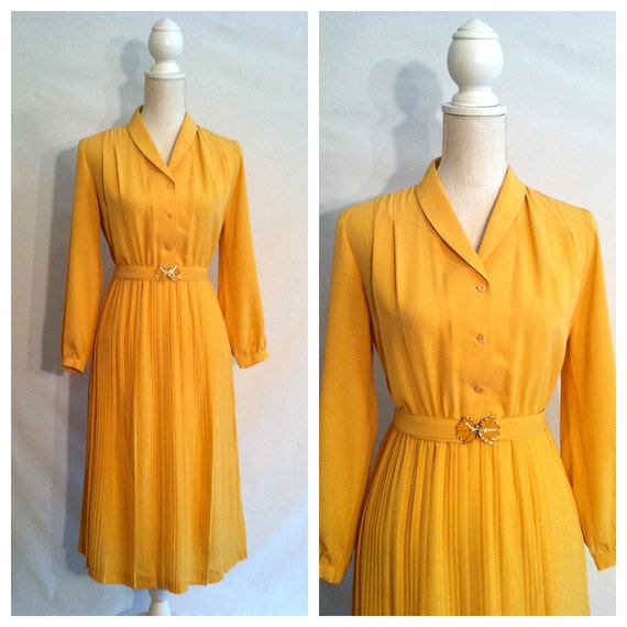 60s Vintage Yellow Shirt Waist Dress / Medium / Matching Belt / Long Sleeve / Pleated Skirt