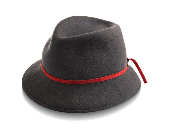 Men's hats might go in and out of fashion, but there is always a style to suit any look. The vast apparel selection on eBay has men's hats in several classic and modern styles. You can find accessories that are ideal for formal events or casual wear.