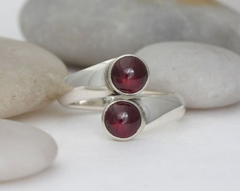 Garnet and sterling silver ring, size 7 open ended ring, #268.