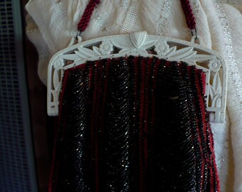 Red/Black Beaded Purse with Bakelite Trim