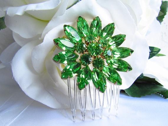 Green Hair Comb, Green Bridal Hair Accessories, Bridal Hair Pins Green Vintage, Emerald Green Bridal Head Piece, Wedding Hair Pins Green