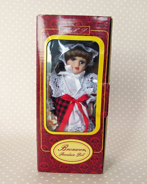 Vintage Boxed Bronwen Porcelain Doll named Mair in Traditional Welsh Costume New Unused