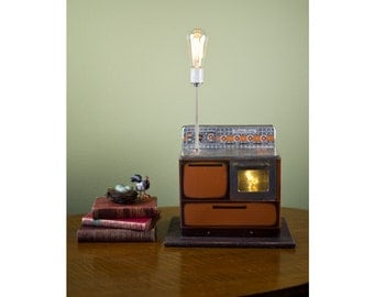 Vintage Sunny Susan Toy Oven Lamp
