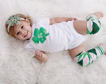Baby girl St. Patrick's Day one piece bodysuit and leg warmer set, shamrock, custom initial, argyle, green, photo prop, shirt