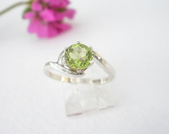 Natural Gem Stone Peridot 6mm Faceted Round 925 Sterling Silver Ring