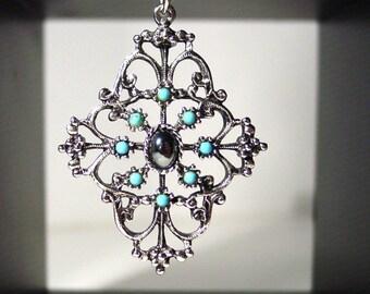 1974 Avon Mirabella silver tone necklace