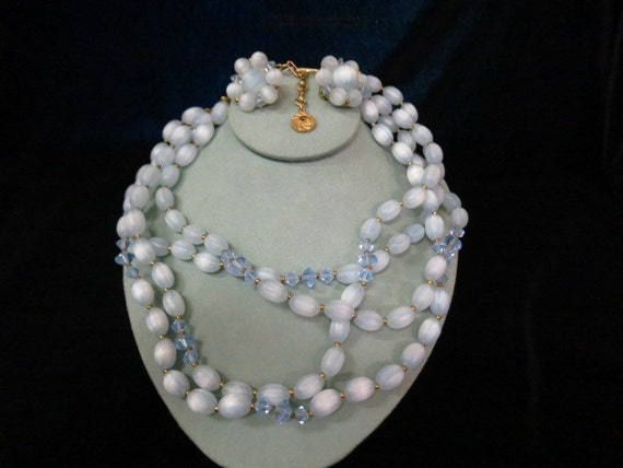 Vintage Lisner 2PC Blue Necklace And Earring Set