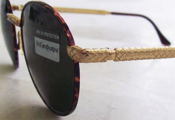 YSL Yves Saint Laurent Vintage Gold/Tortoise Sunglasses Mod. 627, Round Brown Lenses, SMALL Size, Women.