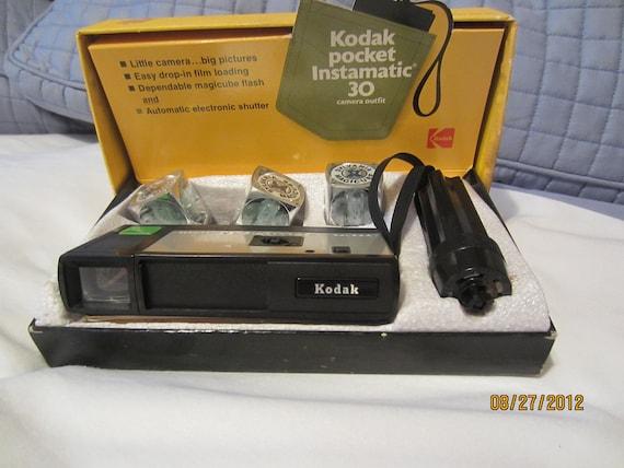 Vintage Kodak Pocket Instamatic 30 Camera Set FREE SHIPPING USA