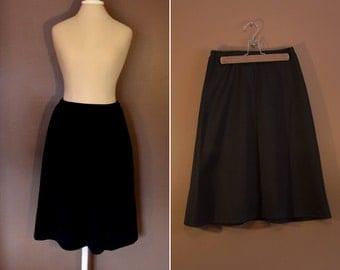 1980s Black Bell Skirt - Size Medium or Large M/L