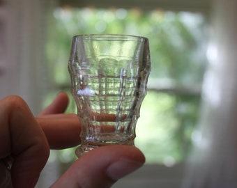 Set of 8 BEAUTIFUL Antique Vintage SHOT Liquor GLASS Sunburst Glasses by Jacobean England, clear vintage shot glasses