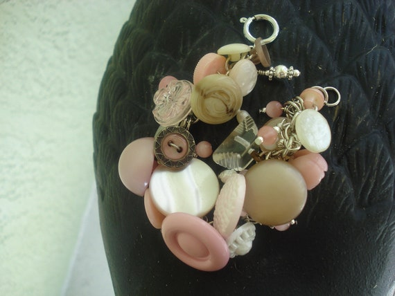 Pink Button Bracelet - Pink Vintage Button Bracelet for Breast Cancer Awareness
