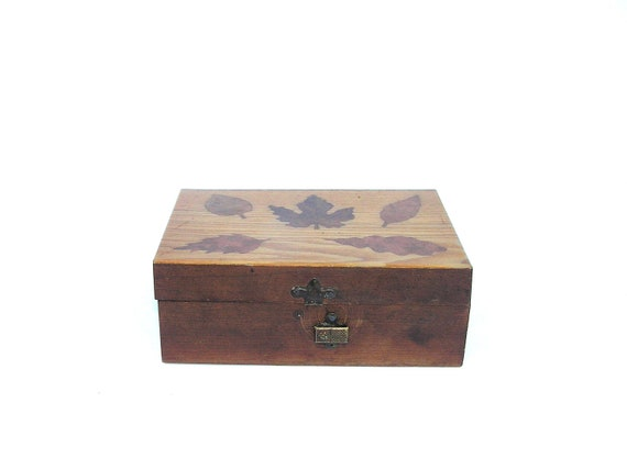 Vintage Rustic Jewelry Box Handmade Wooden Box With Leaves, Rustic Home Decor Decoration, Farmhouse Decor, Vintage Box for Photos Memories