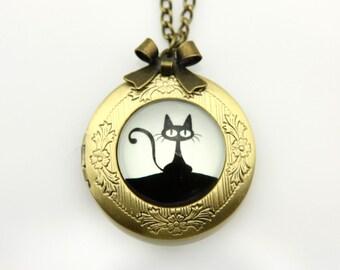 Necklace locket little black cat 2020m