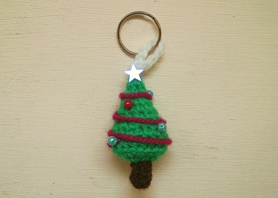 Crochet pattern PDF - Christmas Tree key chain