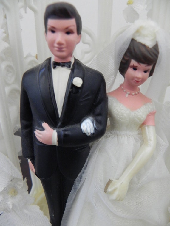 Wilton Wedding Cake Bride and Groom Topper Vintage