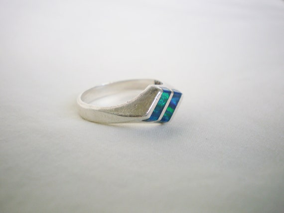ON HOLD - Vintage Platinum Ring - 1980s Blue Glass Mixed Variation Rhombus Shape