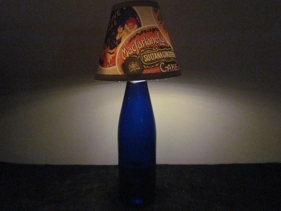 Vintage Treats: Cobalt Blue Glass Bottle Lamp with Battery-Powered LED Lights and Vintage-Style Lamp Shade