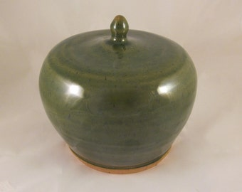 Custom - Stoneware Pottery Cremation Urn - Wheel Thrown Clay - Funerary Cremains Jar For Family Member or Pet Ashes - TUNRDA
