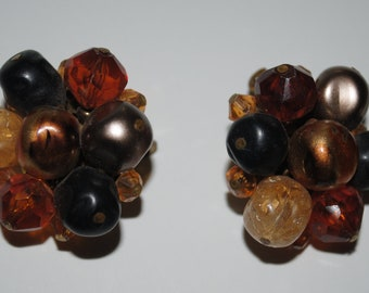 Vintage Brown, taupe, faux pearl 50's clip earrings