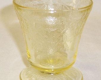 Hazel Atlas Yellow FLORENTINE 2 POPPY 2 3 1/4 Inch 5 Ounce Squatty Juice Tumbler