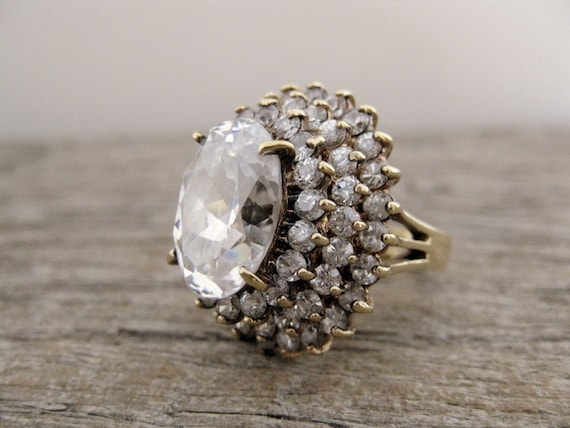 vintage ring. clear crystal. Jolie Gabor. MONTAGNE De CRISTAL.