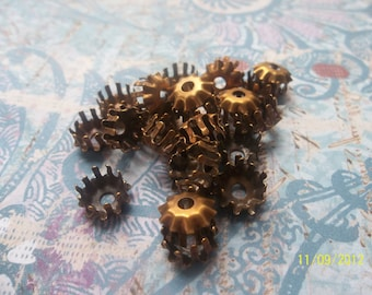 4 Vintage Brass Prong Settings