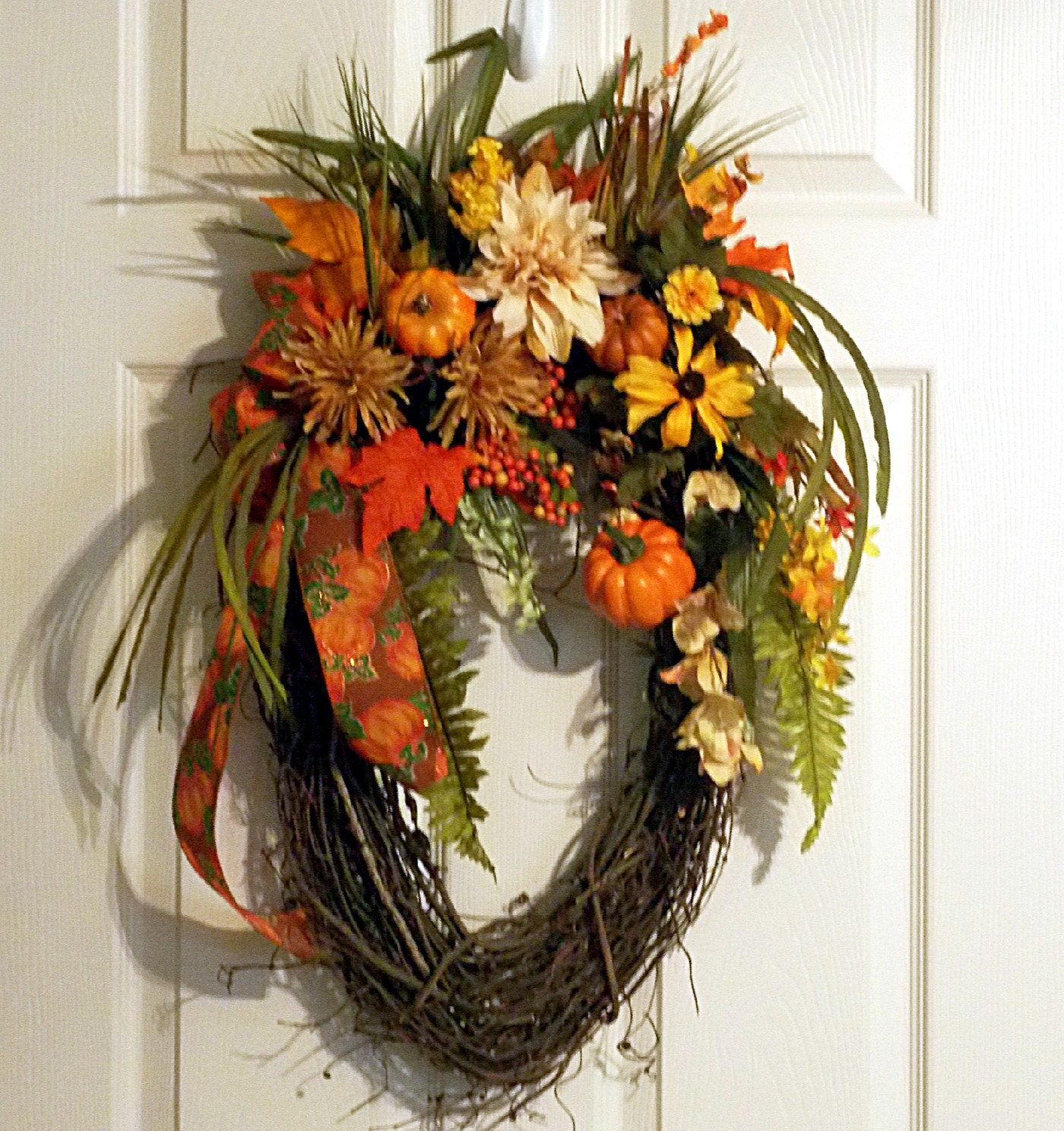 Fall Door Arrangements: Fall Autumn Oval Grapevine Wreath Pumpkins Pumpkin Ribbon