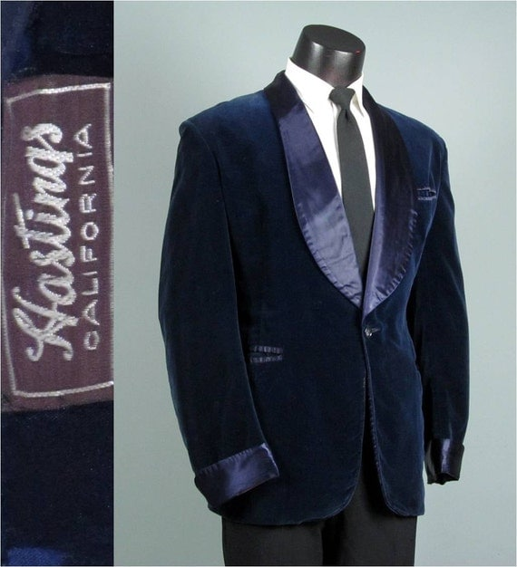 Vintage Mens 1930s Smoking Jacket Stunning Blue Velvet And