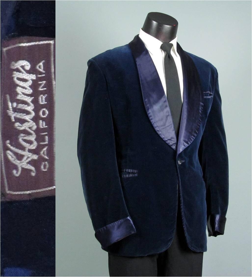 Buy the Men's Red/Gold Paisley Smoking Jacket or shop more smoking jackets for women at nirtsnom.tk5/5(3).