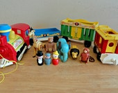 Vintage FISHER PRICE Circus Train Little People Play Family 991 Complete