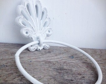 BOLD bright white ornate shell bathroom towel ring // nautical beach tropical towel hanger hook // shabby chic weathered cottage rustic