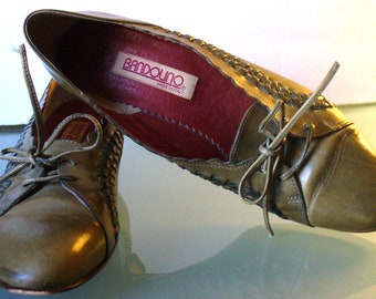Vintage Bandolino Made in Italy Flats Size 8N