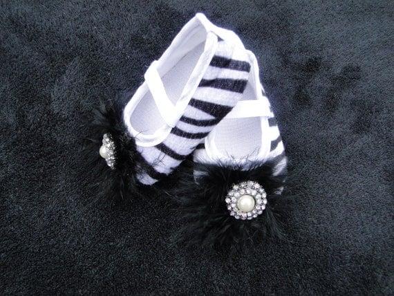 Sale...Black & White  Zebra Crib Shoes - Baby Crib Shoes - Baby Shoes - Infant Shoes - Newborn Shoes - Baby Photo Prop - Baby Girl Shoes