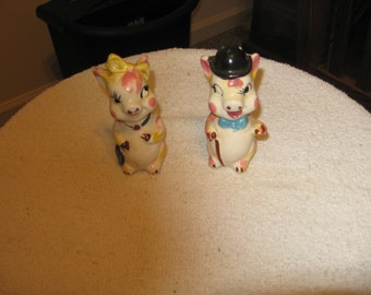 Collectible Pig Ceramic Salt & Pepper Shakers Mr.  Mrs.