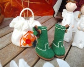 Green Felty Boots with Posy Flowers