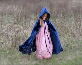 Girl's Blue Velvet Riding-Hood cape~ child's cape, girl's cape, child's full-length cape, hooded cloak, velvet princess cape, Anna, Frozen