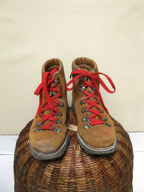 Wonderful Vintage Tan Suede Hiking Boots WRed Laces Mens Size 5 Ladies 7