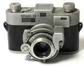 Vintage 35mm Rangefinder Camera KODAK 35 - 1940s