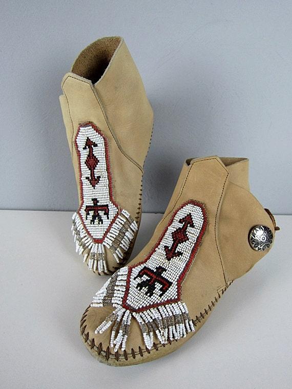 Vintage Minnetonka Tan Leather Beaded Thunderbird Arrow Concho