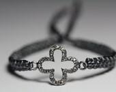 Clover bracelet with rhinestones