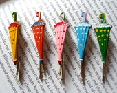 VINTAGE Hand Painted Umbrella/Parasol Shaped Enamel Hair Slides/Grips - Retro Rockabilly Polka Dot Shabby Chic Kitsch Cute - TheMagicClothesHorse