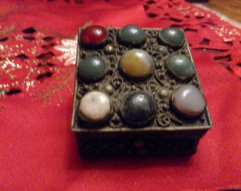 Indian Vintage silver engraved box decorated with gemstones handmade