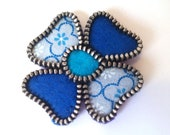 Vintage blue flower zipper brooch. Felt and fabric accessorie. Sweet and beautiful gift.