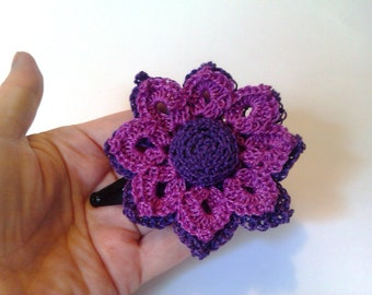 Light and dark purple double crochet flower bobby pin. Accessorie for hair. Gift party.