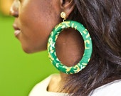 Green Afrittude hoop with gold figree stud