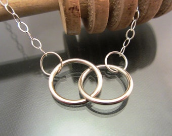 YOLLA Sterling Silver Circles Necklace