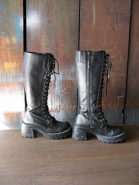 Vintage Tall Knee High Black Leather Chunky Heel Grunge Goth Boots - Size 6.5