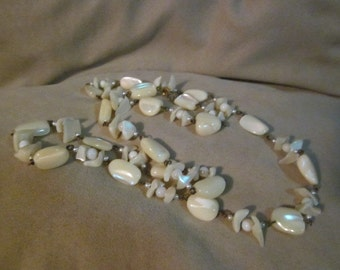 """Vintage 34"""" Mother of Pearl beaded Necklace"""